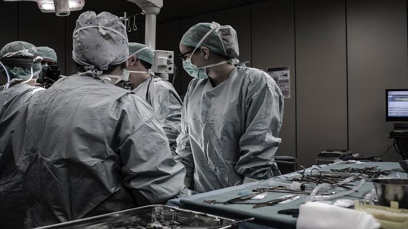 Hystérectomie ou ablation de l'utérus – voie vaginale, abdominale, et par cœlioscopie